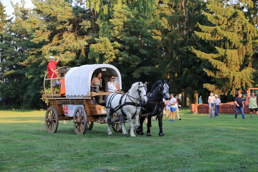 Glockenwagen mit Pfarrer Kautz - Titanen on tour 2018