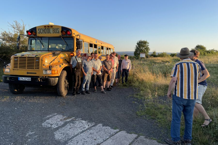 """Die """"Neuen"""" sind da: Safari mit dem amerikanischen Schulbus"""